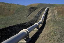 Earthquake-proof pipeline near San Andreas fault